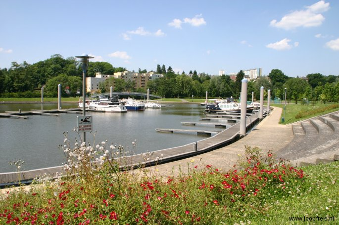 Jachthaven naast de camping in Charleville-Mezieres